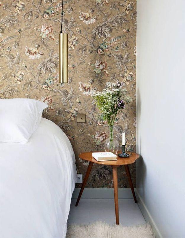 Penser au bouquet de fleurs pour une chambre d'amis accueillante