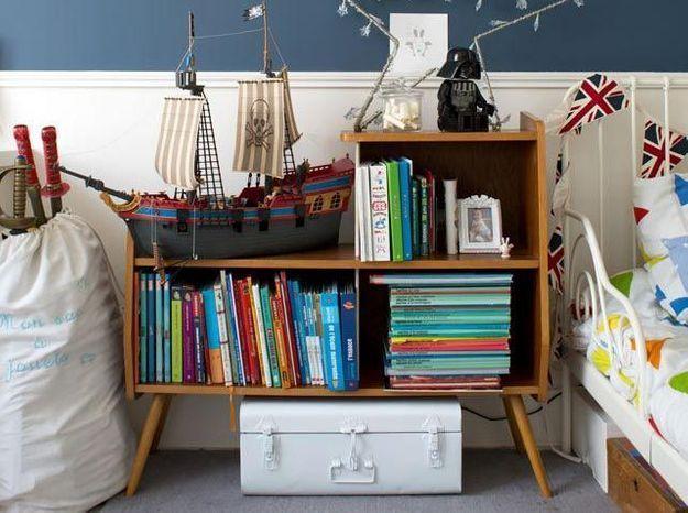 Un meuble vintage pour ranger les livres