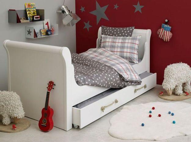 Une chambre d'enfant rêveuse