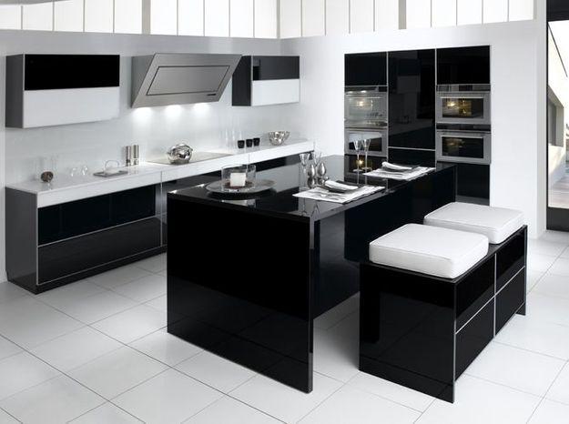 Une cuisine design au look noir et blanc