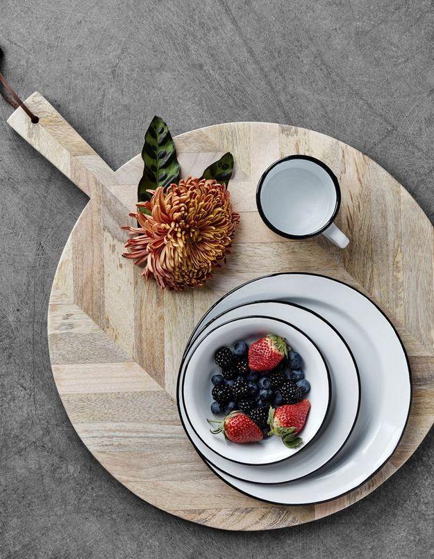Des assiettes pas ch res pour une vaisselle facilement for Decoration ancienne pas cher