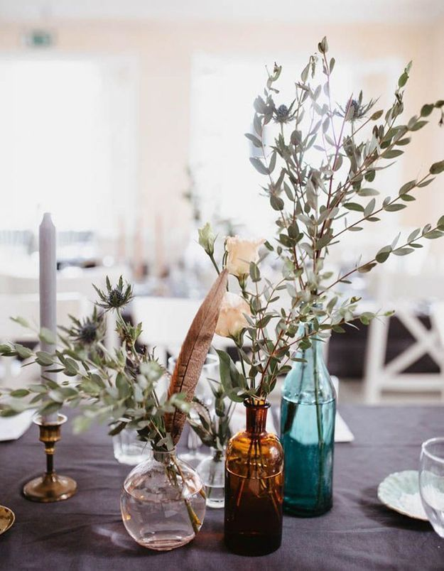 Une décoration de table d'été provencale grâce aux branches d'olivier
