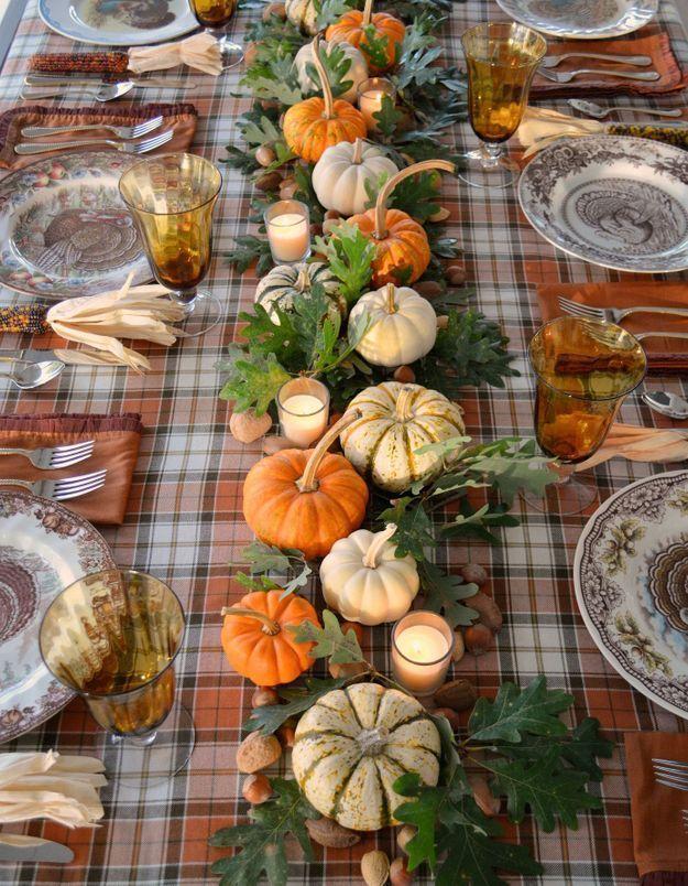 Une déco de table Halloween qui se tient à carreaux