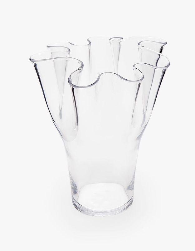 Un vase tout en rondeurs pour une déco de table de Saint-Valentin sensuelle