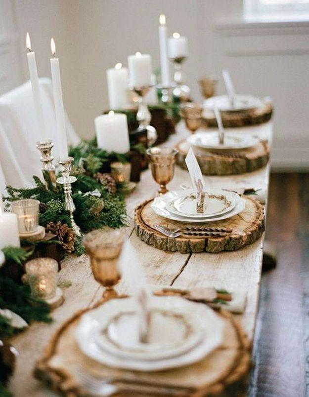 Décoration de table hiver : concevez des sous-assiettes avec des rondins de bois