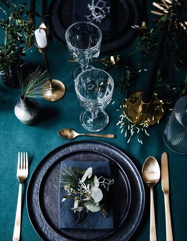 Décoration de table hiver : optez pour un camaïeu de bleus