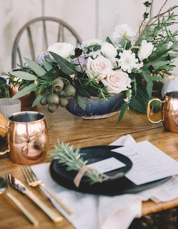 Décoration de table hiver : osez la vaisselle clinquante