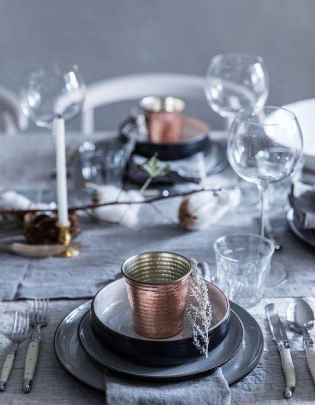 Décoration de table hiver : mixez le gris et le cuivré