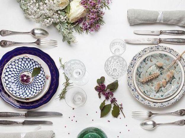 Table de mariage vaisselle depareillee