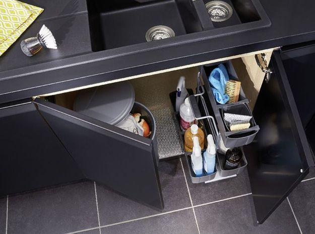 Des placards de cuisine pratiques avec des rangements personnalisables