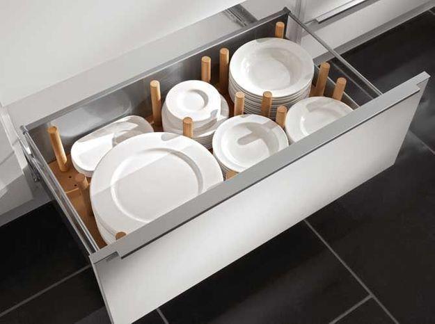 Des placards de cuisine pratiques qui évitent la casse