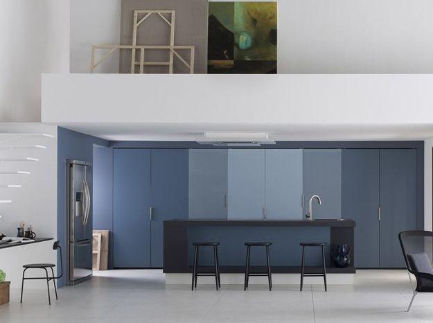 Une cuisine design entièrement cachée