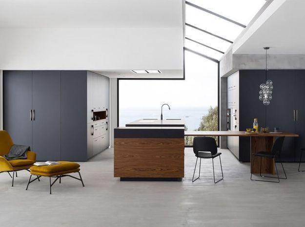 Une cuisine design organisée par blocs