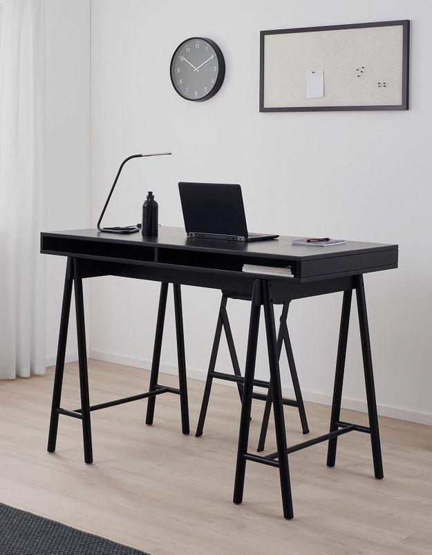 Un bureau IKEA arty