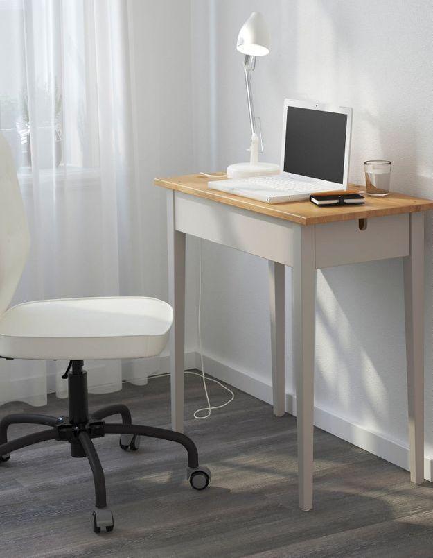 Un bureau IKEA tout petit