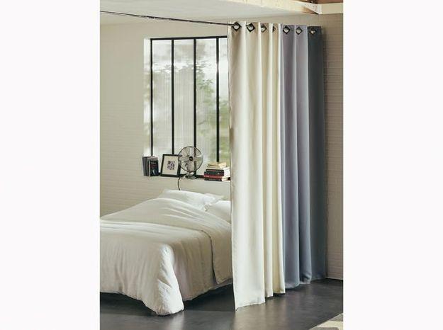 Créez une cloison plus légère grâce aux rideaux