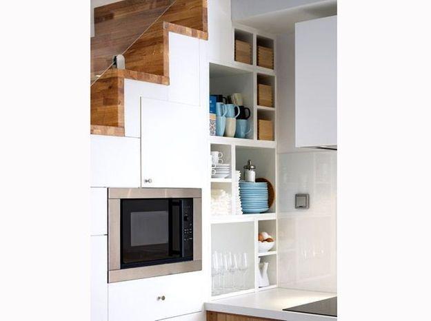 Investissez l'espace sous l'escalier de votre petit duplex