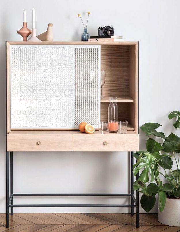Un cabinet modulable qui fait office de bureau