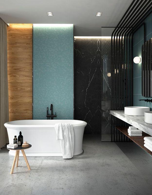 Une salle de bains design qui mixe différents matériaux