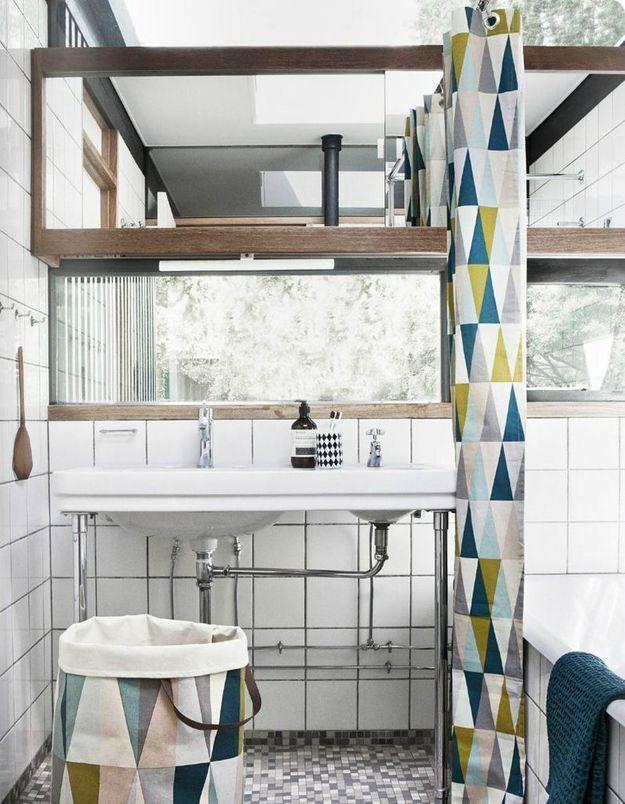 Optez pour un rideau de douche graphique