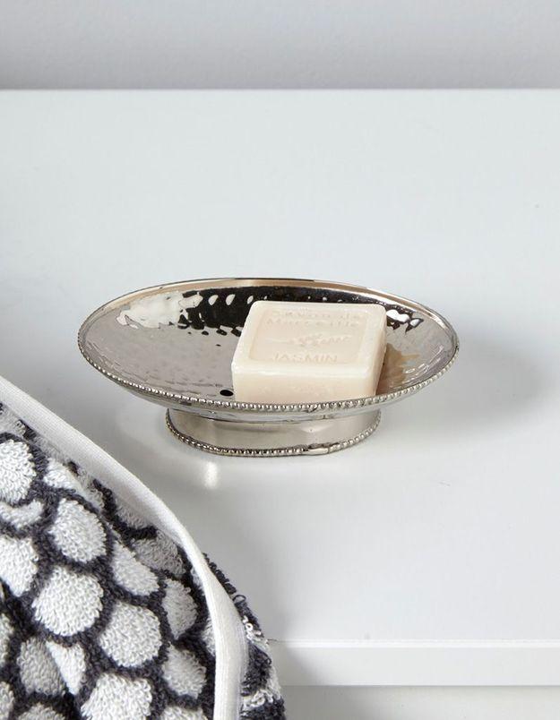 Porte-savon en métal martelé