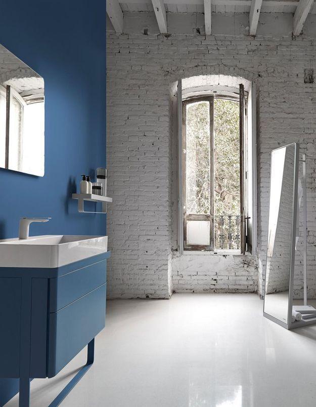 Salle de bains bleue Inbani
