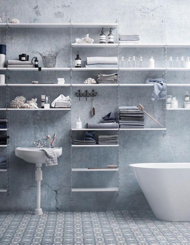 Salle de bains bleue String