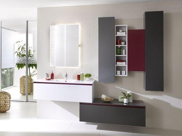 Armoire grise pour la salle de bains