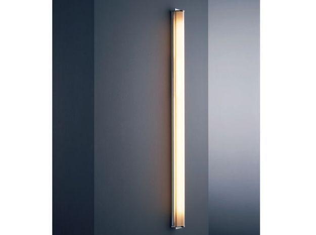 Une applique verticale ou horizontale pour une salle de bains design