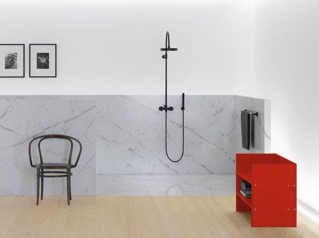 Colonne de douche murale noire