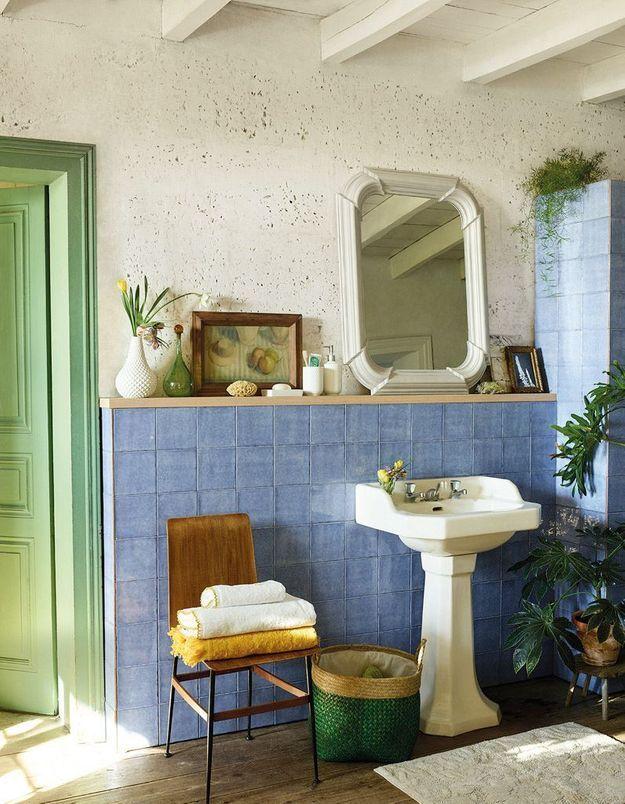 Miroir de salle de bains à l'ancienne