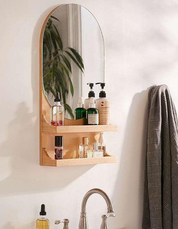 Miroir de salle de bains pratique
