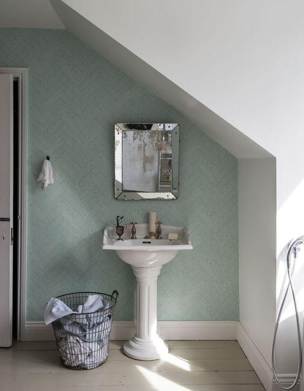 Un papier peint pastel pour une salle de bains zen