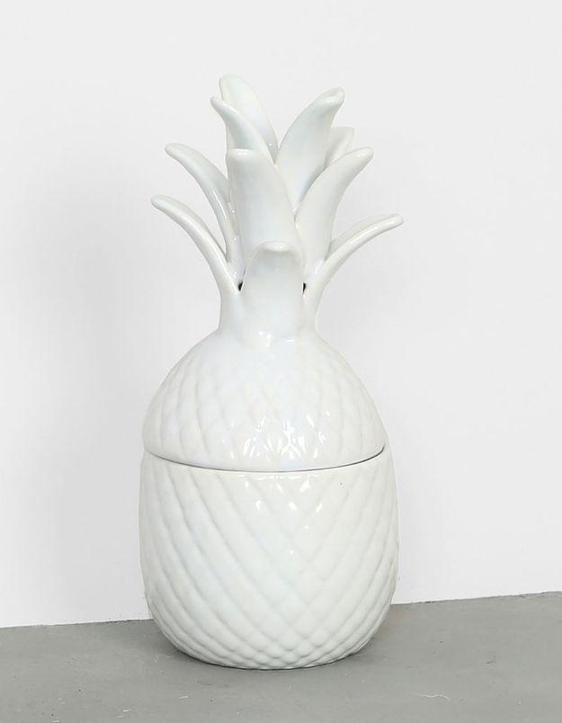 Une boîte ananas en céramique