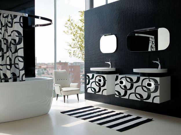 Salle de bain noir et blanc laufen