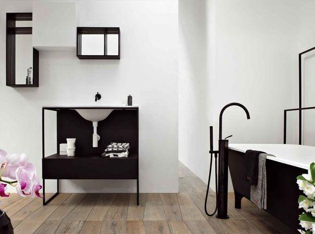 Salle de bain noir et blanc kos