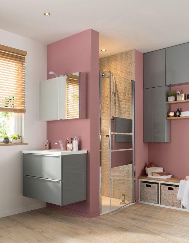 Une salle de bains Castorama qui s'organise autour de la douche