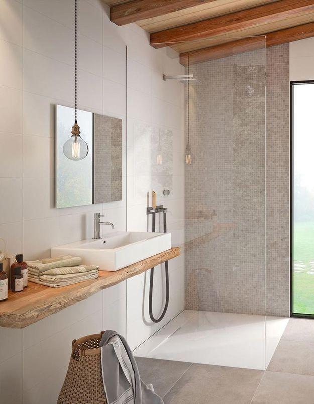 Opter pour une paroi de douche transparente pour une salle de bains zen