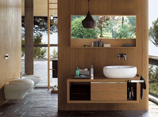 Salle de bains zen ouverte sur l'extérieur