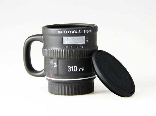 Mug into focus2