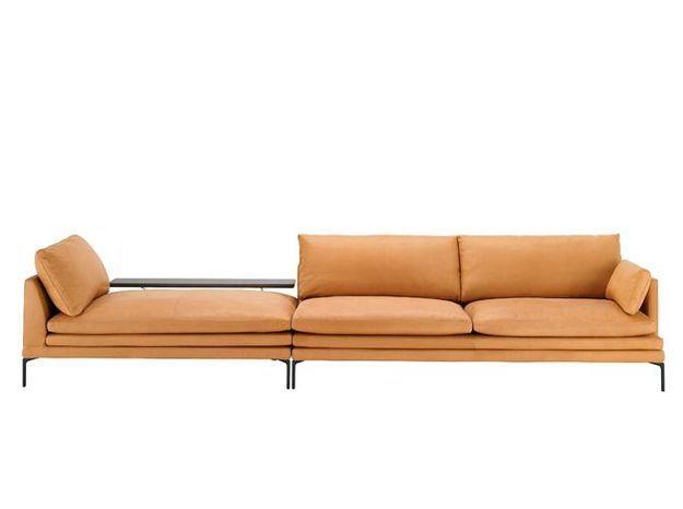 Un canapé en cuir aux lignes pures