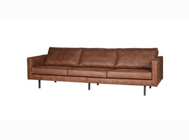 Un canapé en cuir style vintage