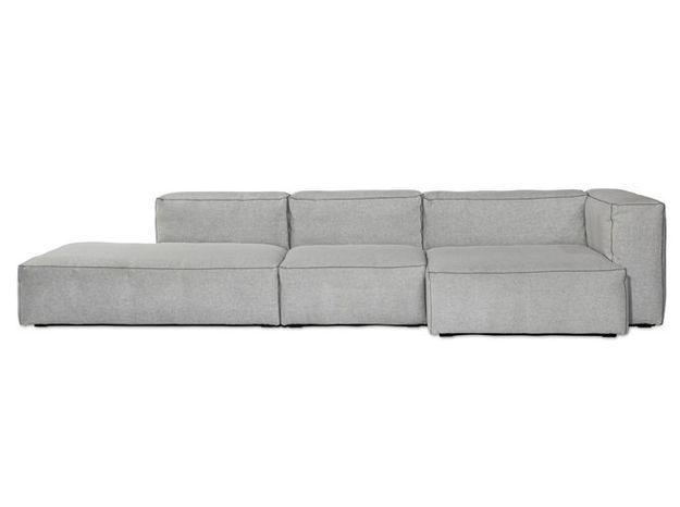 Un canapé design avec méridienne