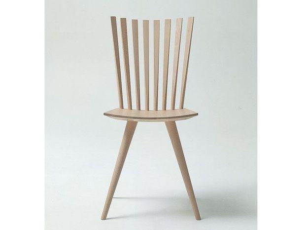 Une chaise minimaliste