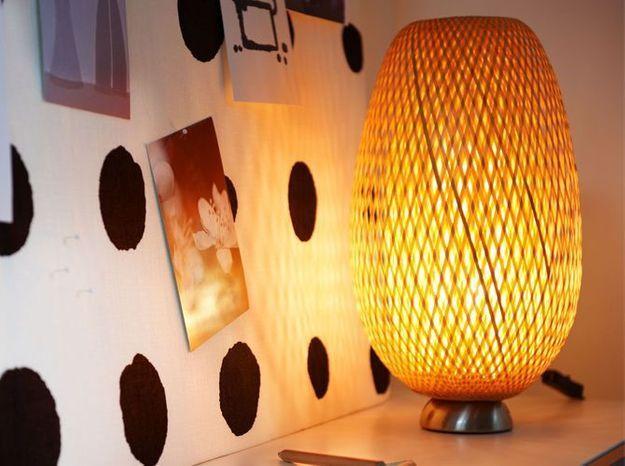 Une lampe en bambou pour une lumière tamisée