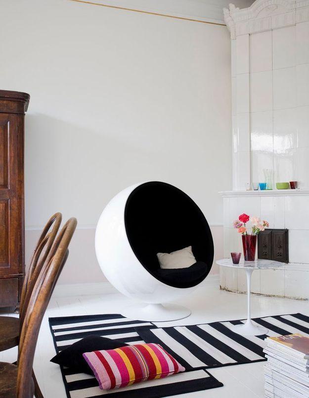 "Fauteuil design ""Ball Chair"" de Eero Aarnio, édité par Aarnio Originals"