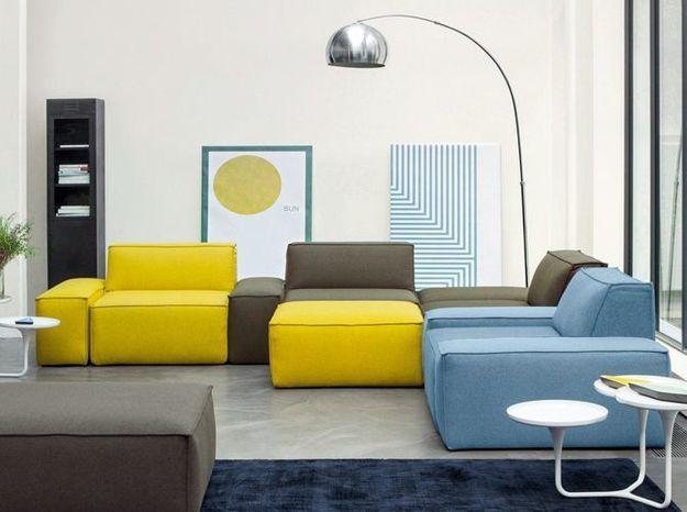 Un canapé modulable avec chauffeuses