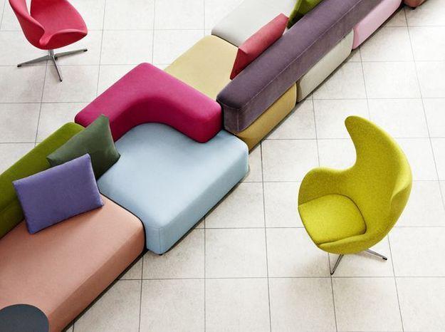 Un canapé modulable qui mixe les couleurs