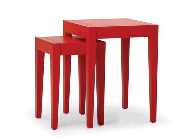 Table rouge made
