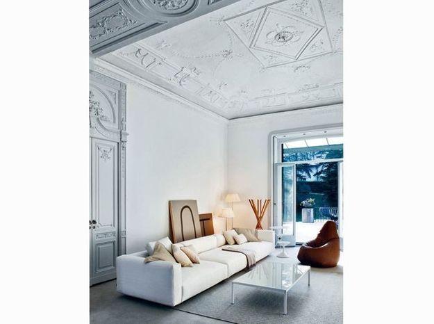 Un salon design blanc